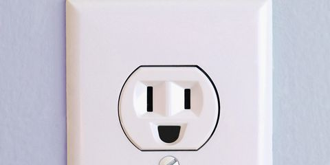 White, Technology, Electrical supply, Wall socket, Power plugs and sockets, Rectangle, Wall plate, Square, Electronics accessory, Cable,