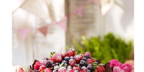 Sweetness, Food, Dessert, Ingredient, Fruit, Produce, Frutti di bosco, Cake, Garnish, Cuisine,