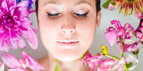Petal, Skin, Flower, Pink, Eyelash, Beauty, Abdomen, Muscle, Model, Trunk,