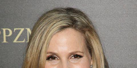 Hair, Face, Head, Mouth, Smile, Lip, Cheek, Hairstyle, Eye, Chin,