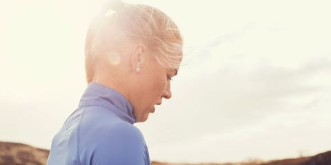 Sleeve, Human body, Shoulder, Elbow, Hand, People in nature, Long-sleeved t-shirt, Electric blue, Sweater, Blond,
