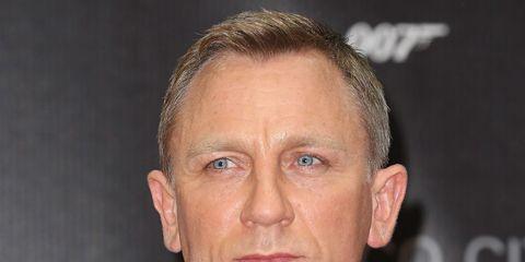 1694ea67b7 Daniel Craig quits his role as James Bond