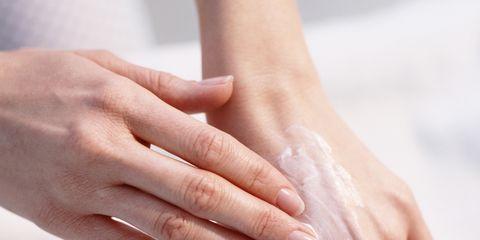 Finger, Skin, Wrist, Hand, Joint, Nail, Organ, Thumb, Gesture, Muscle,