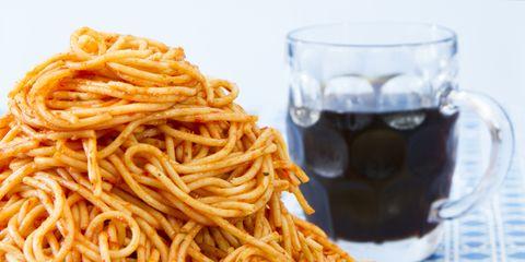 Cuisine, Food, Spaghetti, Noodle, Drink, Drinkware, Al dente, Chinese noodles, Pasta, Ingredient,