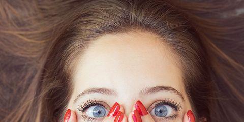 Finger, Lip, Hairstyle, Skin, Eyebrow, Eyelash, Nail, Iris, Organ, Beauty,