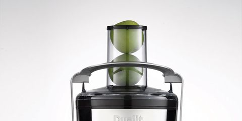 Juicer, Kitchen appliance, Small appliance, Food processor, Fruit, Juice, Vegetable juice, Home appliance, Citrus, Drink,