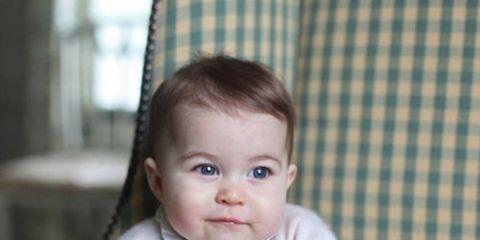 Nose, Cheek, Mouth, Eye, Textile, Comfort, Sitting, Child, Baby & toddler clothing, Pattern,