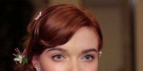 Lip, Hairstyle, Chin, Forehead, Eyebrow, Eyelash, Style, Beauty, Fashion, Neck,