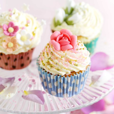 Cupcake, Buttercream, Icing, Food, Cake decorating, Pink, Baking cup, Cake, Dessert, Sweetness,