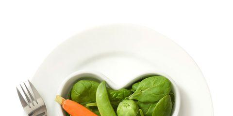 Dishware, Vegetable, Ingredient, Food, Cutlery, Produce, Kitchen utensil, Natural foods, Fork, Whole food,