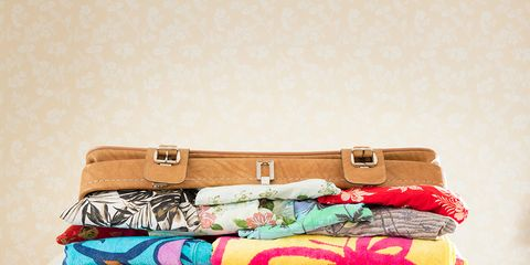 Textile, Bag, Luggage and bags, Beige, Linens, Baggage, Home accessories, Shoulder bag, Cushion,