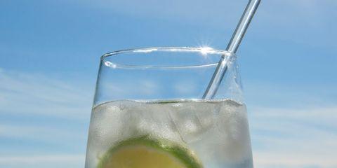 Fluid, Liquid, Drink, Cocktail, Lemon-lime, Glass, Tableware, Classic cocktail, Alcoholic beverage, Drinkware,