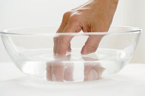 How to make nail polish dry faster - Cold water makes nail polish ...