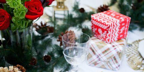 Petal, Flowering plant, Rose order, Cut flowers, Holiday, Christmas, Rose family, Flower Arranging, Rose, Garden roses,