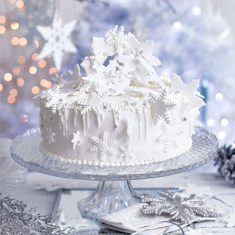 Snowstorm Christmas Cake