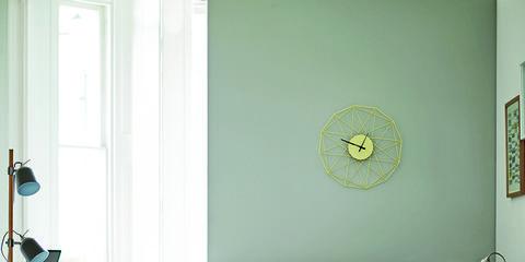 Room, Interior design, Green, Floor, Living room, Furniture, Flooring, Wall, Home, White,