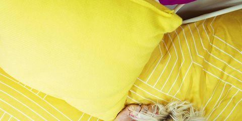 Eyewear, Glasses, Yellow, Textile, Sunglasses, Comfort, Goggles, Camera, Linens, Cushion,