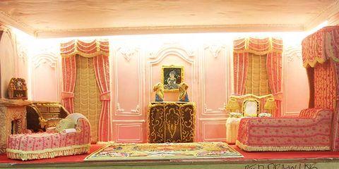 Interior design, Room, Interior design, Place of worship, Light fixture, Hall, Carpet, Molding, Rug, Decoration,