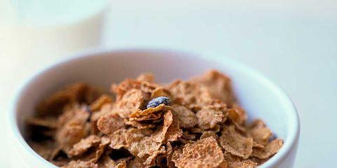 Food, Cuisine, Dish, Breakfast cereal, Corn flakes, Complete wheat bran flakes, Meal, Breakfast, Granola, Ingredient,