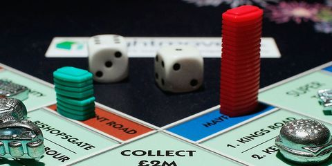 Indoor games and sports, Games, Carmine, Plastic, Tabletop game, Gambling, Number, Electronic component, Dice game,