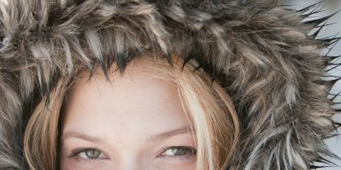 Human, Textile, Fur clothing, Iris, Winter, Costume accessory, Photography, Fur, Animal product, Natural material,