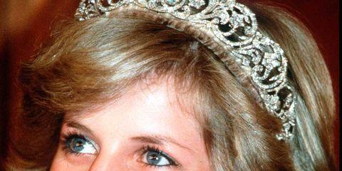 Nose, Smile, Hairstyle, Eye, Chin, Earrings, Forehead, Eyebrow, Eyelash, Fashion accessory,