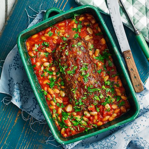 Easy meatloaf with baked beans