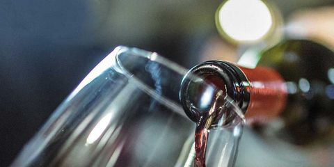 Fluid, Liquid, Glass, Barware, Drinkware, Reflection, Drink, Stemware, Transparent material, Champagne stemware,