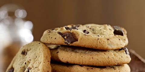 Finger food, Food, Brown, Biscuit, Chocolate chip cookie, Cookies and crackers, Cuisine, Dessert, Cookie, Baked goods,