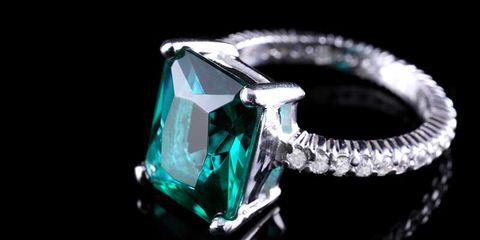 Jewellery, Fashion accessory, Ring, Green, Emerald, Gemstone, Engagement ring, Diamond, Aqua, Macro photography,