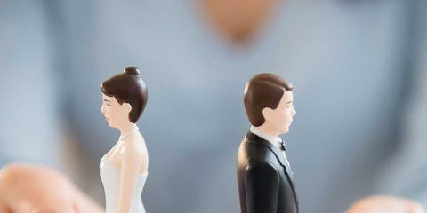 Finger, Hand, Figurine, Formal wear, Gesture, Action figure, Toy, Thumb, Wedding ceremony supply, Bride,