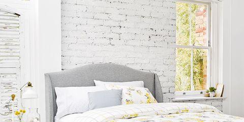 Bed sheet, Bed, Bedding, Furniture, Yellow, Bed frame, Duvet cover, Textile, Mattress, Duvet,