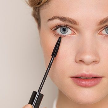 How to do eye makeup to make eyes look bigger