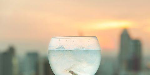 Fluid, Glass, Drinkware, Stemware, Liquid, Barware, Wine glass, Drink, Alcoholic beverage, Champagne stemware,