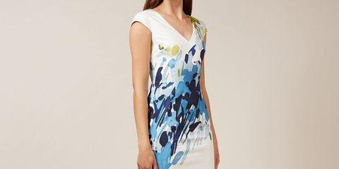 Clothing, Sleeve, Human leg, Shoulder, Joint, Style, Knee, Dress, Street fashion, Fashion,