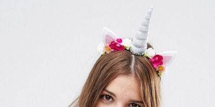 Hair, Crown, Hairstyle, Headpiece, Ear, Hair accessory, Fashion accessory, Costume accessory, Hair coloring, Headgear,