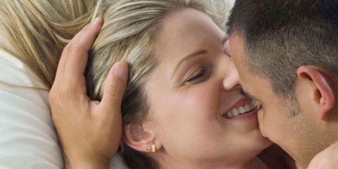 Skin, Forehead, Love, Interaction, Neck, Gesture, Hand, Kiss, Ear, Romance,