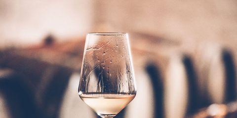 Stemware, Wine glass, Champagne stemware, Glass, Drinkware, Drink, Wine, Sky, Alcoholic beverage, Tableware,
