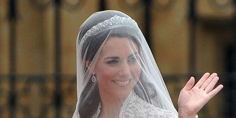 Veil, Bridal veil, Bridal accessory, Clothing, Headpiece, Bride, Wedding dress, Hair accessory, Dress, Beauty,