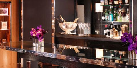 Bar, Restaurant, Room, Interior design, Table, Furniture, Building, Kitchen & dining room table, Countertop, Coffeehouse,