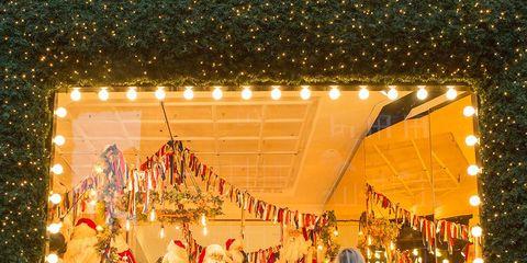 Event, Fun, Tree, Christmas, Holiday, Display window, Temple, Christmas decoration, Leisure, Interior design,