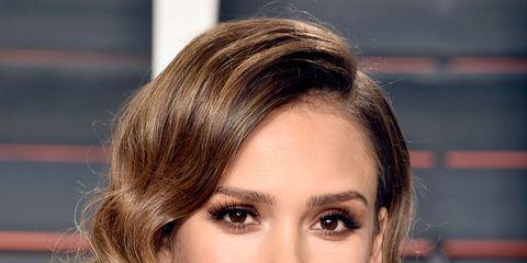 Hair, Face, Hairstyle, Blond, Eyebrow, Layered hair, Chin, Brown hair, Hair coloring, Beauty,