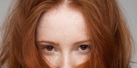Hair, Face, Hairstyle, Brown hair, Eyebrow, Long hair, Lip, Hair coloring, Beauty, Chin,
