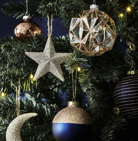 decorating your Christmas tree like a professional
