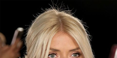 Hair, Face, Hairstyle, Blond, Eyebrow, Chin, Lip, Beauty, Layered hair, Forehead,