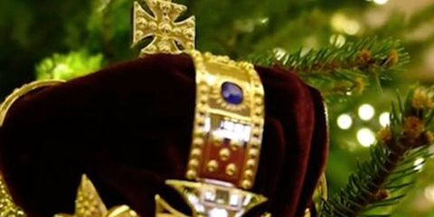 buckingham palace has unveiled its christmas decorations for 2017 and its fair to say that theyre quite extravagant - Queen Christmas Decorations