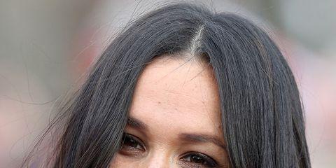 Hair, Face, Eyebrow, Hairstyle, Lip, Facial expression, Chin, Black hair, Smile, Nose,