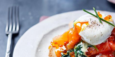 Dish, Food, Cuisine, Ingredient, Poached egg, Breakfast, Garnish, Brunch, Produce, À la carte food,