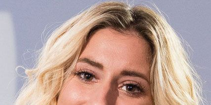 Hair, Face, Blond, Eyebrow, Hairstyle, Chin, Skin, Facial expression, Lip, Beauty,