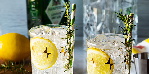 Highball glass, Gin and tonic, Yellow, Drink, Lemon, Lemonade, Fizz, Glass, Lemonsoda, Tom collins,